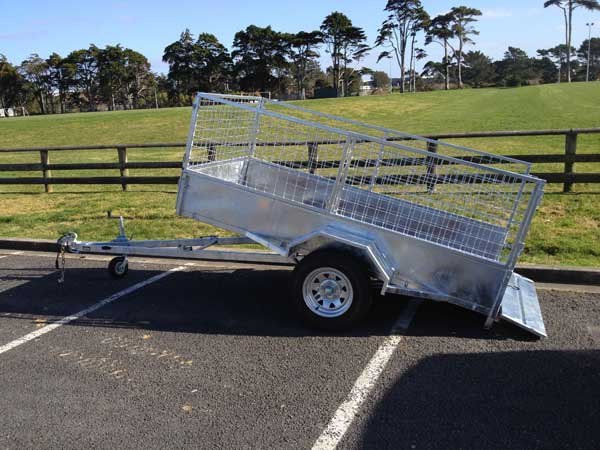 tipping trailer with cage